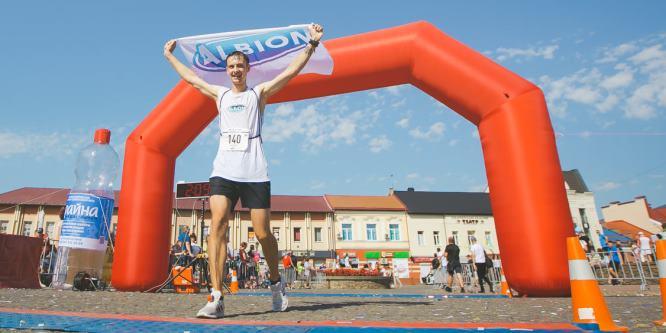 Счастливый финиш Khust Half Marathon в городе Хуст!