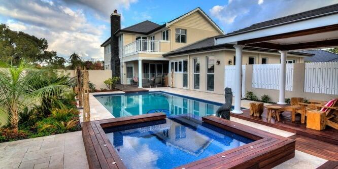 Как подобрать идеальный бассейн для дома?